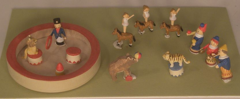Circus by Erzgebirgische Miniaturen - $266.00 : Swan House Miniatures, Artisan Miniatures for Dollhouses and Roomboxes
