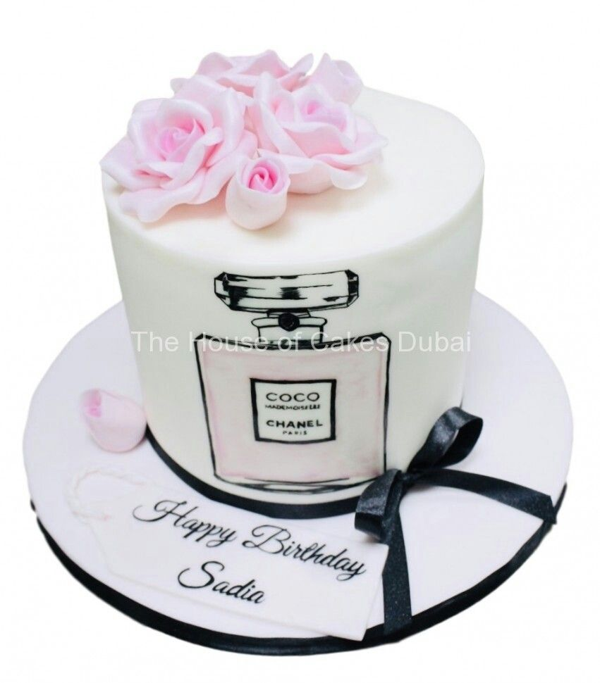 Pin By Zullynat Du On Cakes Coco Chanel Cake Chanel Cake Chanel Birthday Cake