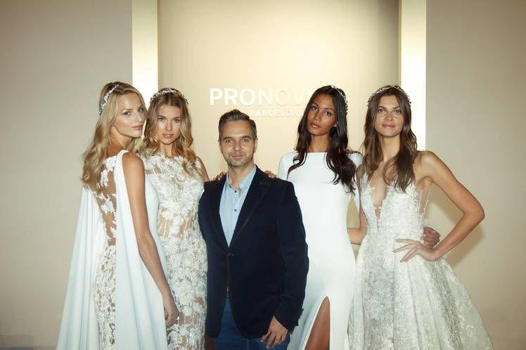 Pronovias ha presentado sus propuestas Atelier 2017 sobre la pasarela de la New York Fashion Week Bridal - Ediciones Sibila (Prensapiel, PuntoModa y Textil y Moda)