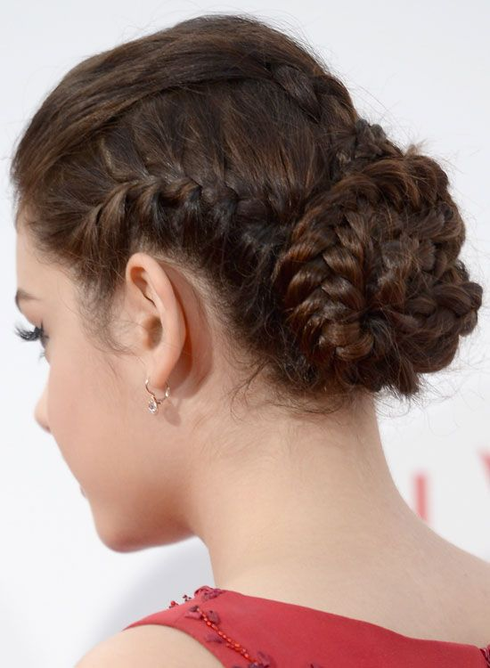 50 Simple Bridal Hairstyles For Curly Hair Wedding Pinterest