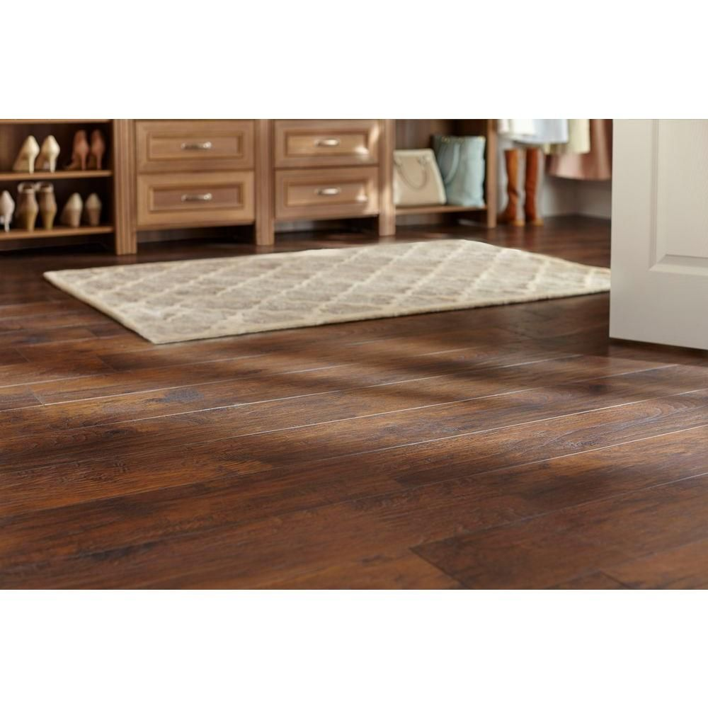 Trafficmaster Handsed Saratoga Hickory 7 Mm Thick X 2 3 In Wide 50 5 8 Length Laminate Flooring 24 17 Sq Ft Case 34089 The Home Depot