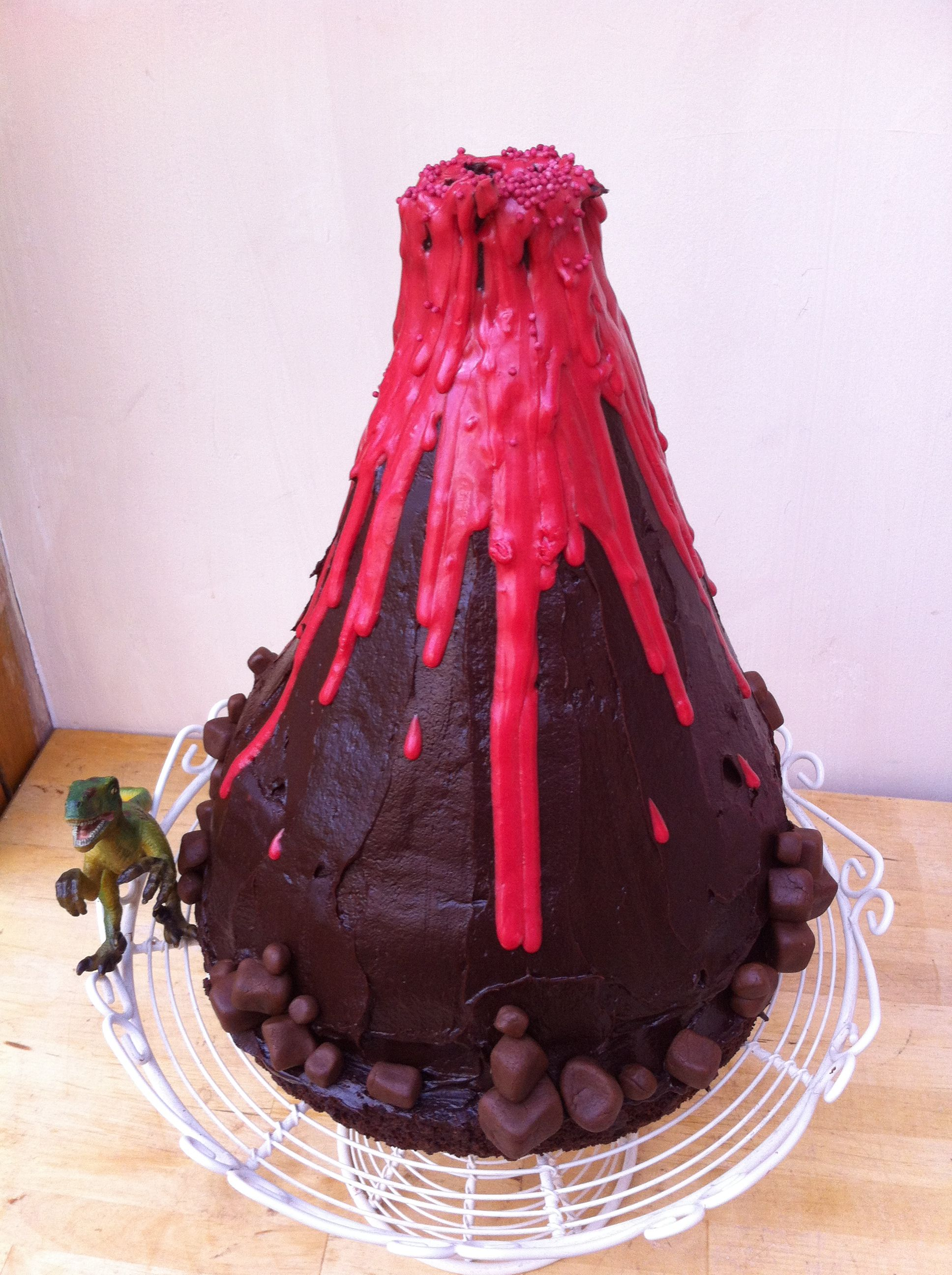 Erupting Volcano Cake Volcano Prject Pinterest