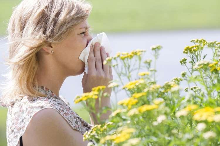 Αλλεργίες: Αίτια, συμπτώματα και τρόποι φυσικής αντιμετώπισης