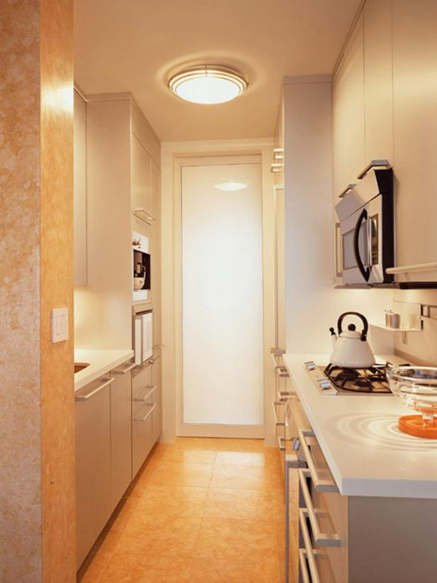 21 Best Small Galley Kitchen Ideas #whitegalleykitchens