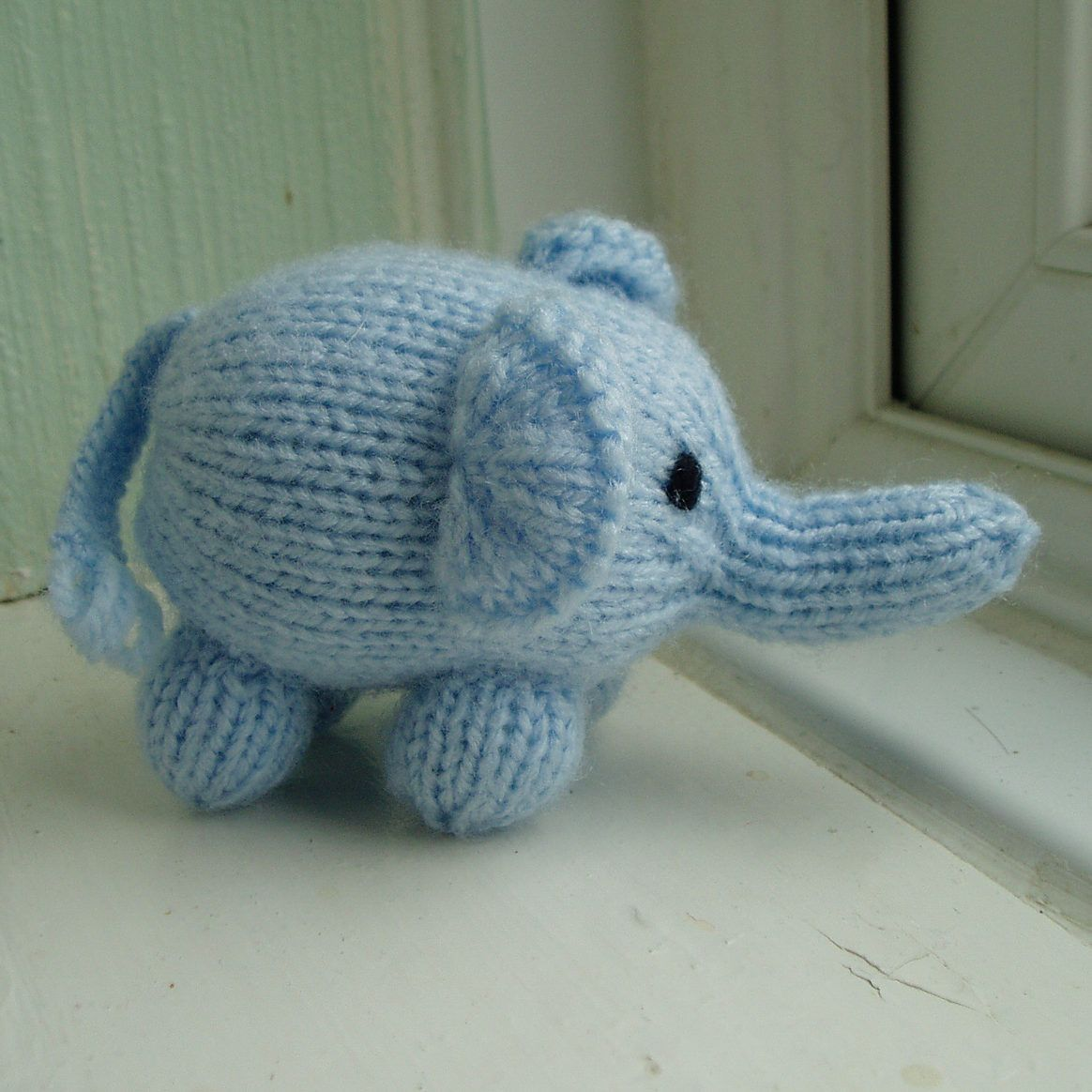 Free Knitting Pattern for Mini Elephant | Amigurami Knits ...