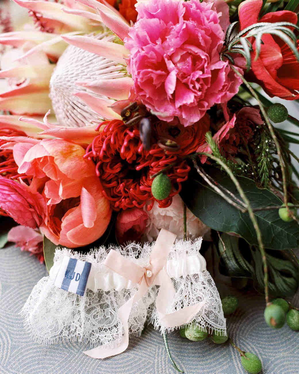 A Casual Beach Wedding in Puako, Hawaii | Martha Stewart Weddings ...