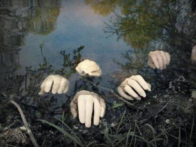 12 last minute super scary diy outdoor halloween decorations