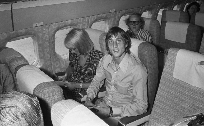 Johan Cruyff y Danny Coster durante su viaje a Barcelona.