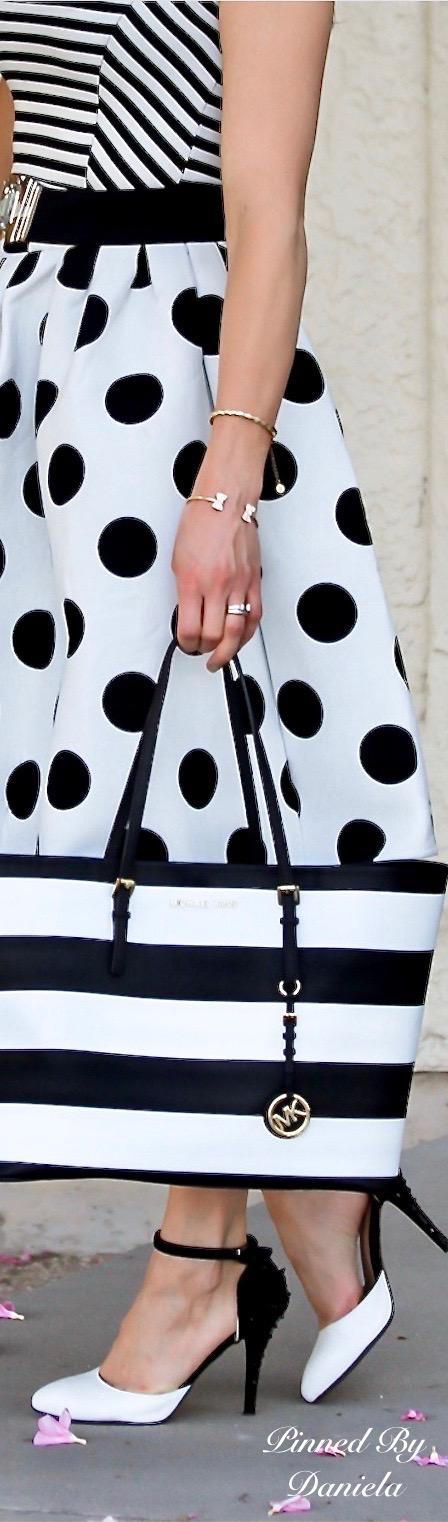 Rosamaria G Frangini | Adorables Dots |