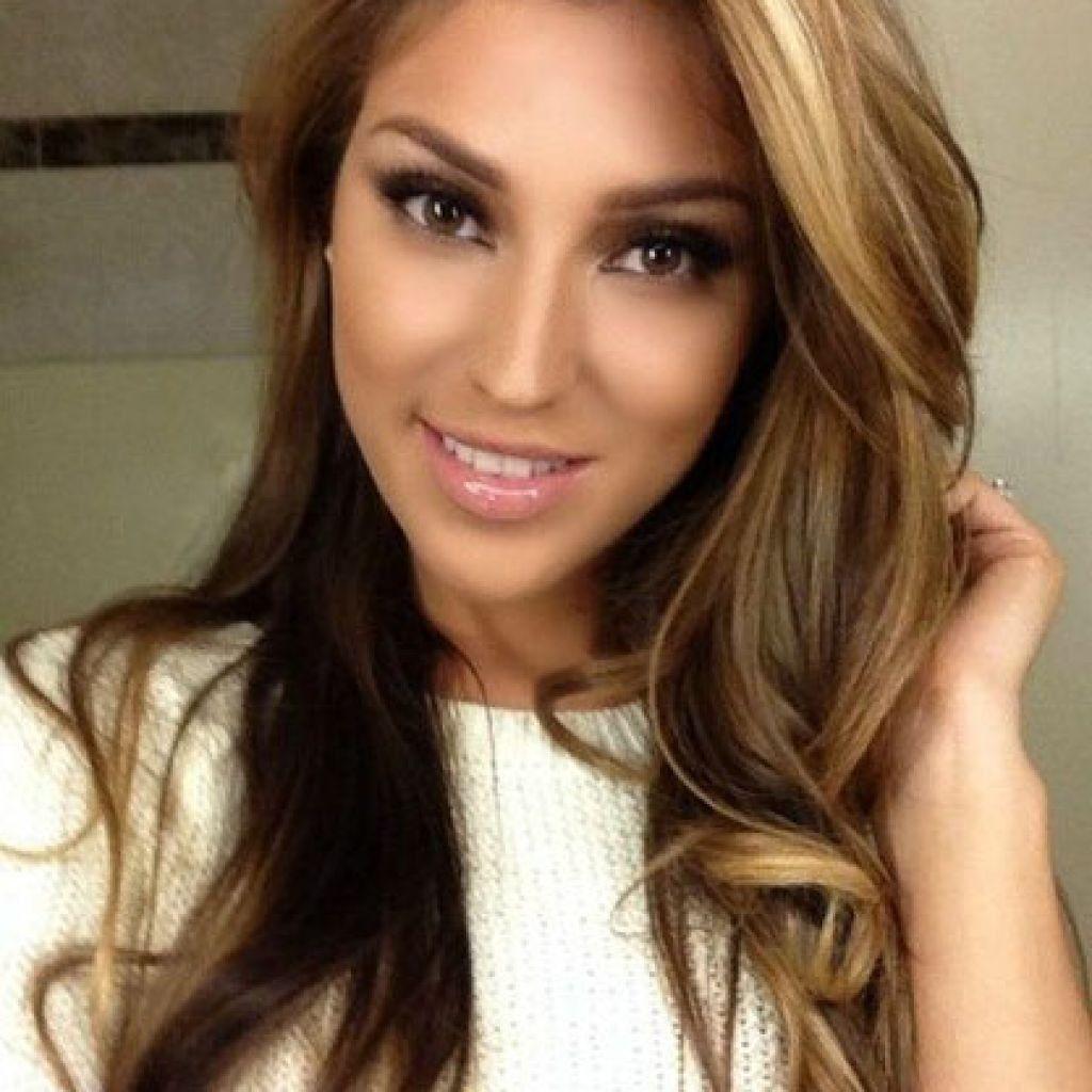 Haar Farbe Hellbraun Mit Highlights | Hair styles, Long