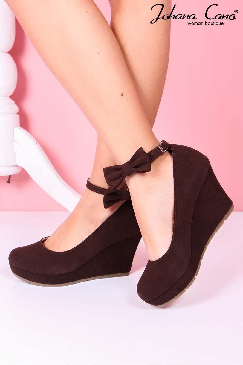 227c7ef3 Pin by Johana Cano on Nuestros zapatos   Zapatos, Boutique