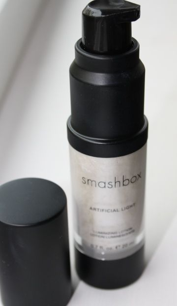 Loving This Highlighting Lotion   Smashbox Artificial Light Luminizing  Lotion In U0027diffuseu0027