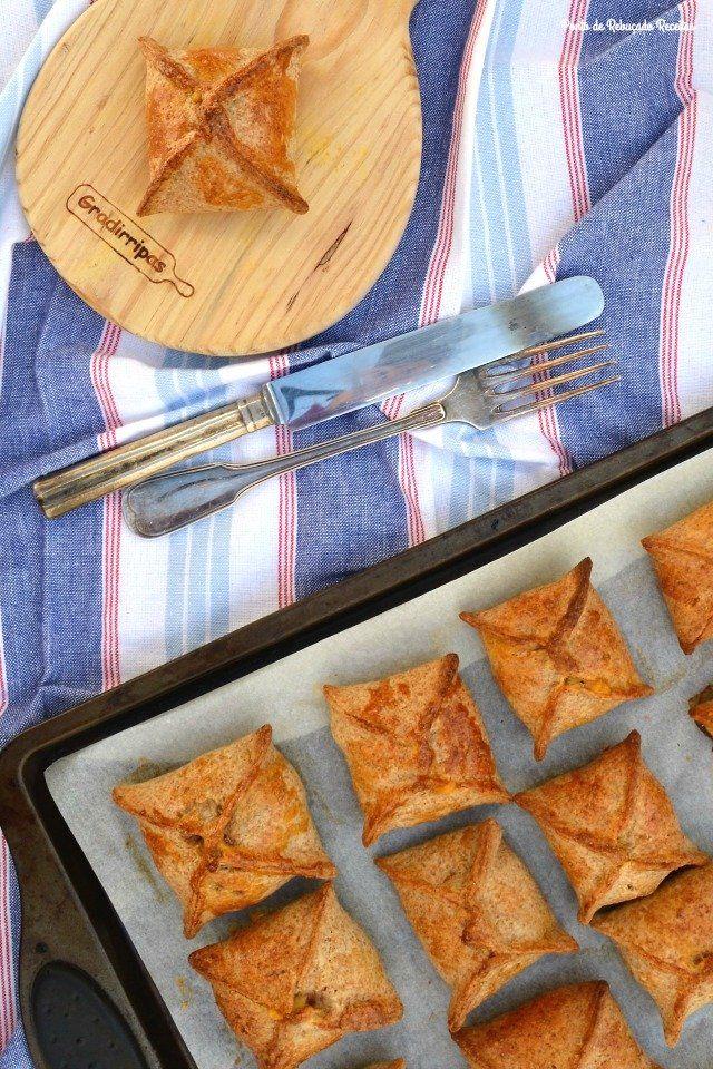 Pastéis integrais de camarão e abóbora - http://gostinhos.com/pasteis-integrais-de-camarao-e-abobora/