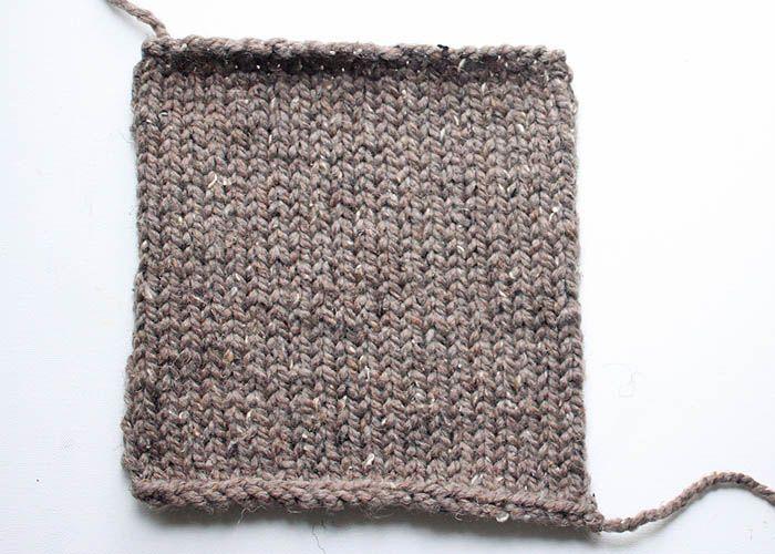 One Square Stuffed Bunny beginner knitting pattern | Handarbeiten ...