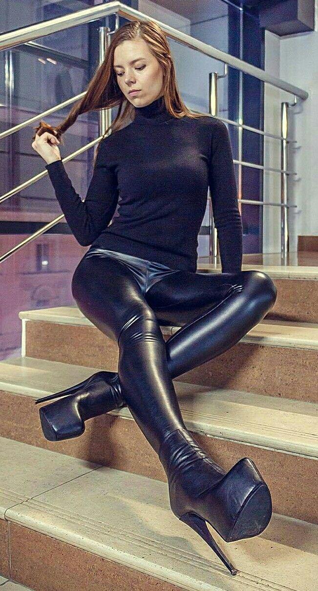 Liquid leggings high heels 10