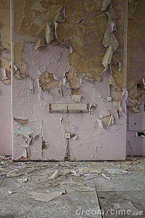 Peeling Wallpaper Peeling Wallpaper Wallpaper Halloween Garage