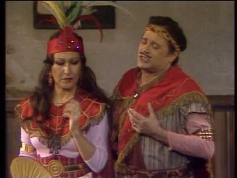 JOSEFINA MENESES PEDRO LAVIRGEN  cantan el Dúo de la Zarzuela El DUO DE ...