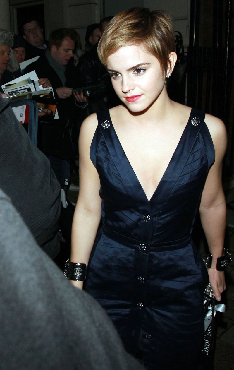 Kate england nipple slip new foto
