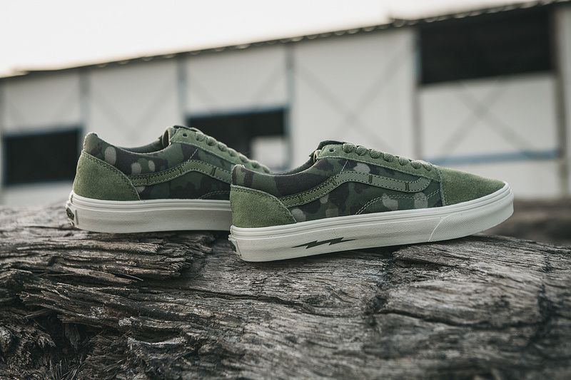 52e069a8d7 Vans Sk8-Hi classic high-top shoes with summer with a military camouflage  camouflage