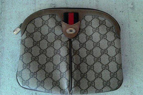 a06b38c351e8 Vintage-Gucci-brown-GG-monogram-shoulder-crossbody-bag-purse-clutch ...