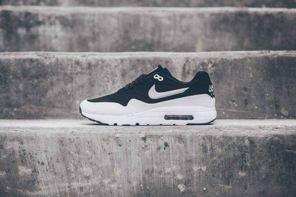 a6d7ee4f81ee ... The Nike Air Max 1 Ultra Moire Black White has a simple two ...