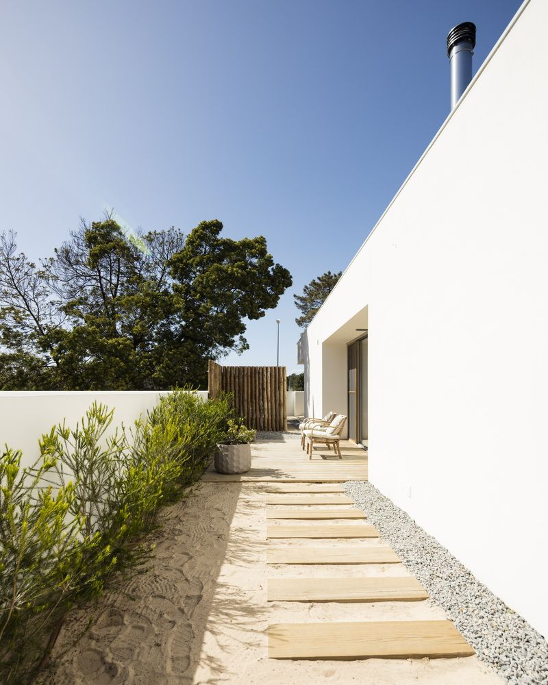 Gallery of Pereira Narvaes House / SUCRA Arquitetura