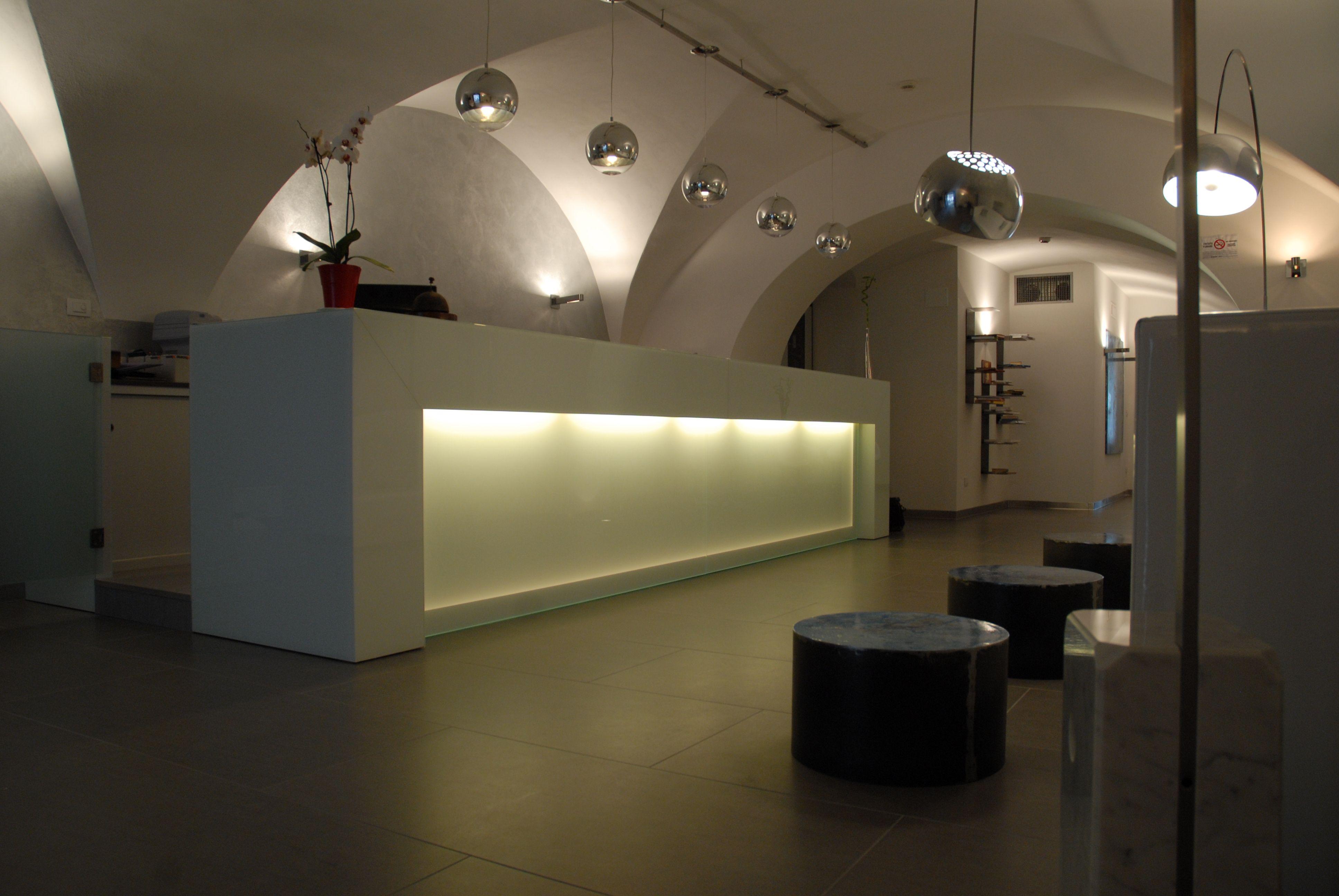 Effimera arredamenti per centri estetici saloni bellezza for Arredamenti per centri estetici