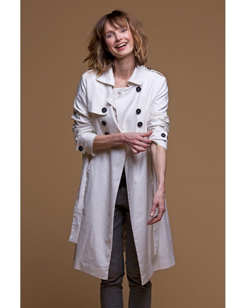 64e921e9df Trench-coat #blanc long en gabardine de #coton, un #basique revisité ...
