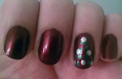 Three Step Christmas Tree Accent Nail