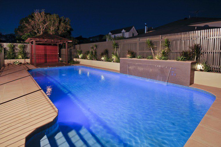 Gazébo et abri soleil : des idées pour jardin avec piscine | Garden ...