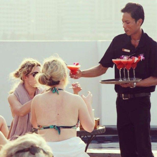 """Live every hour like its happy Hour""..Pick up a nice cocktail and enjoy the swimming pool from our rooftop swimming pool while enjoying the beauty of Chao Praya river. Website: www.navalai.com Email: info@navalai.com #navalai #navalairiverresort #navalaihotel #navalairesort #thailand #thaifood #travel #coktail #chaopraya #chill #artistic #aquatinirestaurant #aroi #aquatini #reception #riverside #relax #romantic #resort #romantichotel #khaosanroad #igthailand #instatravel #instabangkok…"