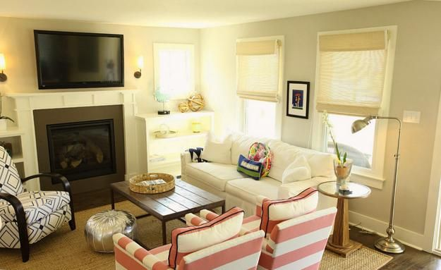 22 Small Living Room Designs Spacious Interior Decorating And Home Staging Tips Small Living Room Design Small Living Room Furniture Small Living Room Decor