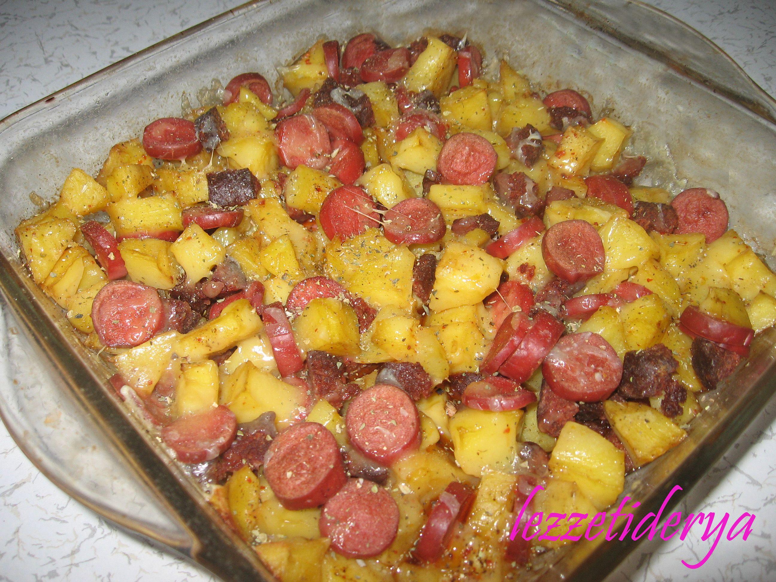 Fırında Sucuklu Patates