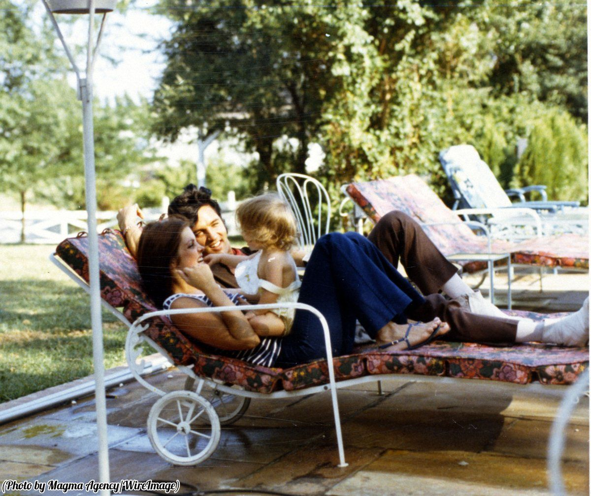 """History In Pictures on Twitter: """"Elvis, Priscilla, and Lisa Marie Presley relaxing at home, 1968. https://t.co/LynVM45hWt"""""""