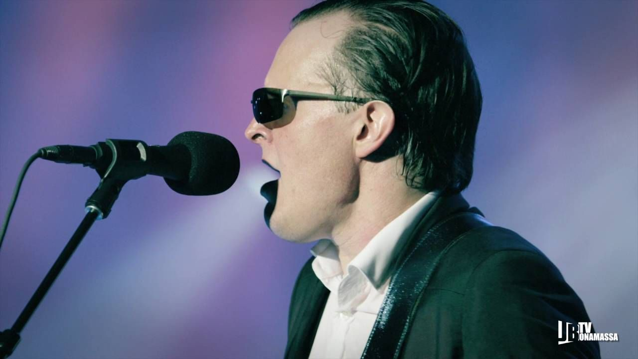 "Joe Bonamassa ""Hummingbird"" Live At The Greek Theatre"
