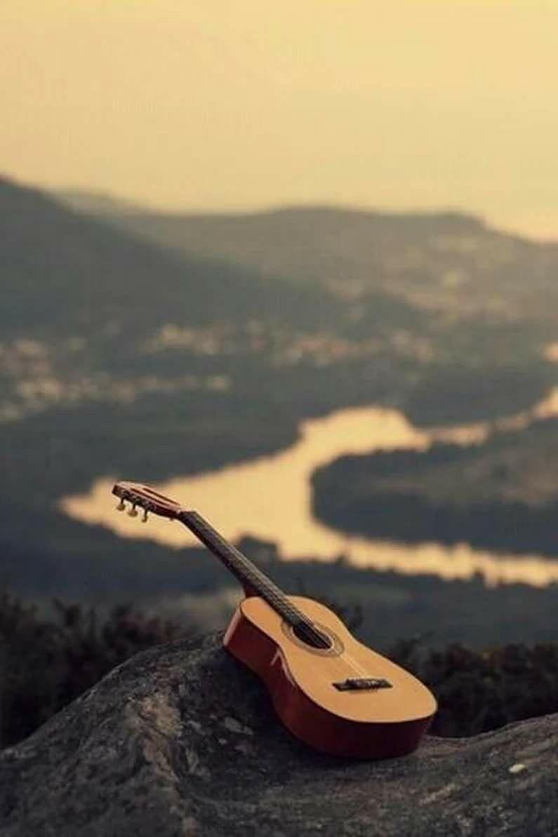 Картинки гитара на закате