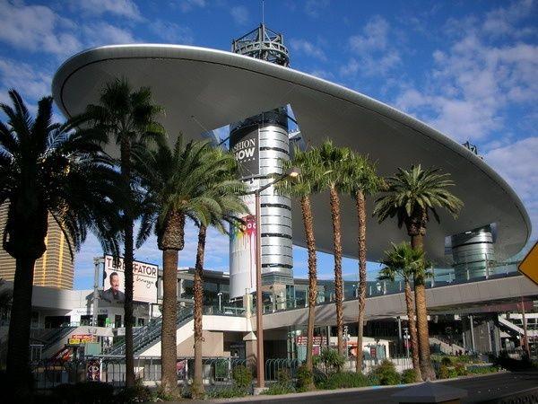 Fashion Show Mall Outdoor Decor Vegas Sydney Opera House