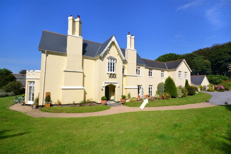 Amberley Holiday cottage, House styles, Mansions