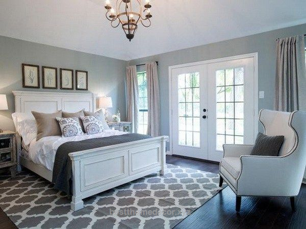 Dusty blue and white master bedroom | rooms/houses | Farmhouse ...