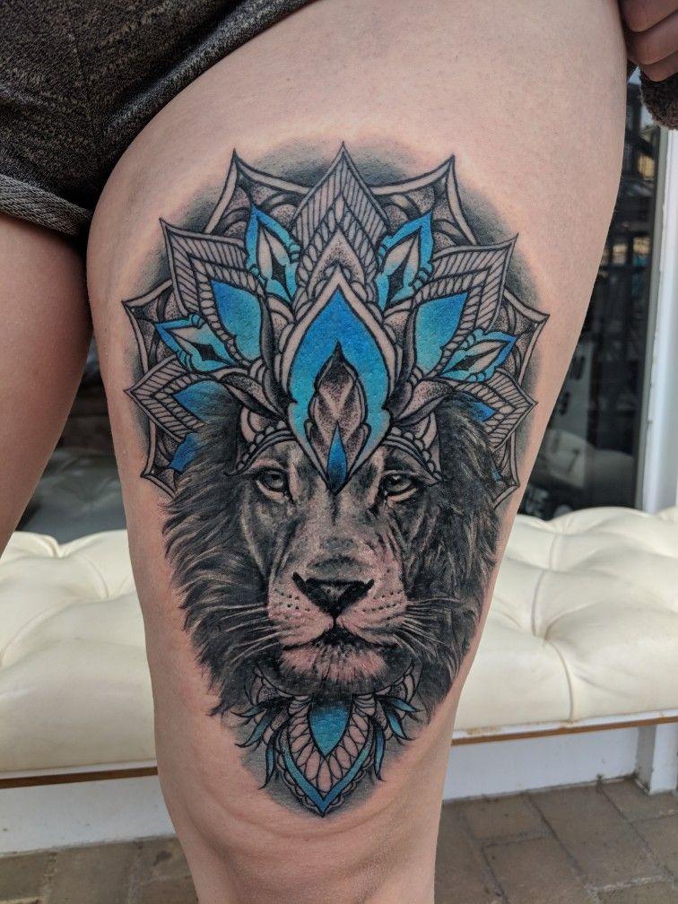 mandala lion tattoo dotwork  tattoo künstler hüfte