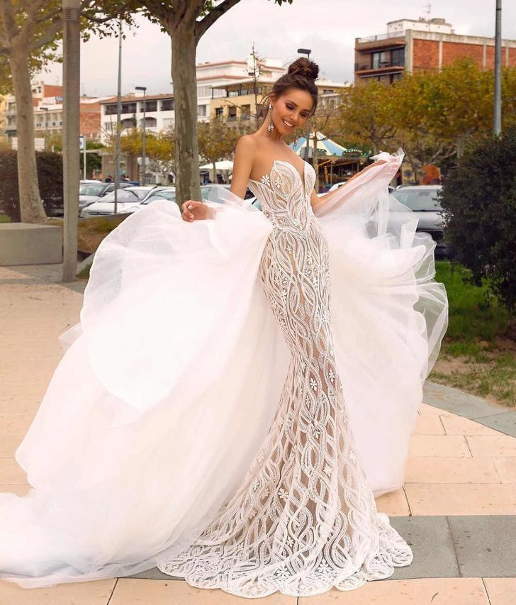 21 Wedding Dresses That Can Turn Your Big Day Into a Fairy Tale 21 Wedding Dresses That Can Turn Your Big Day Into a Fairy Tale