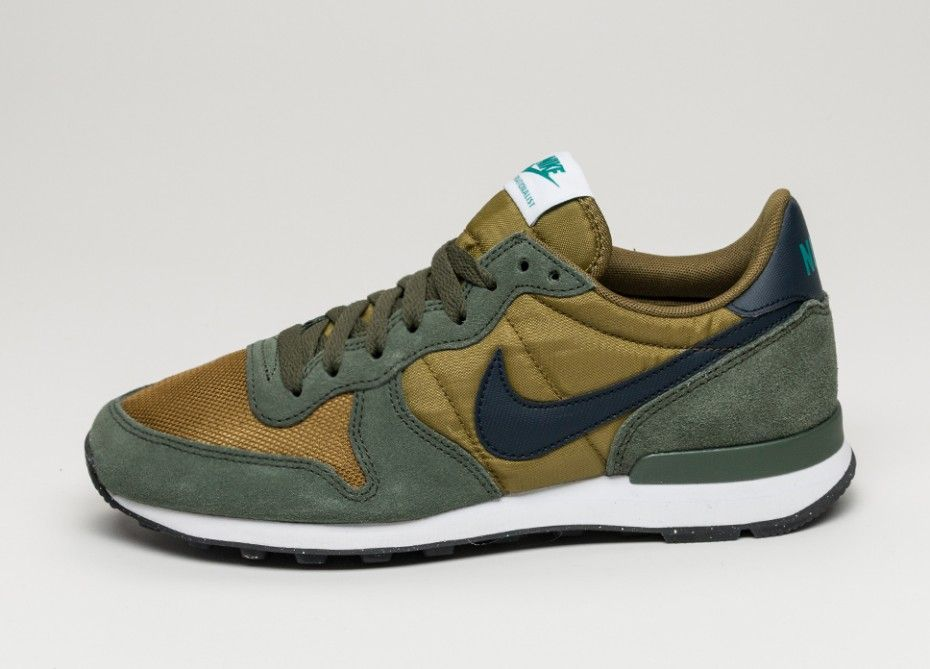 the latest 14cd8 9d4b0 Nike Internationalist (Military Green   Dark Obsidian - Carbon Green)