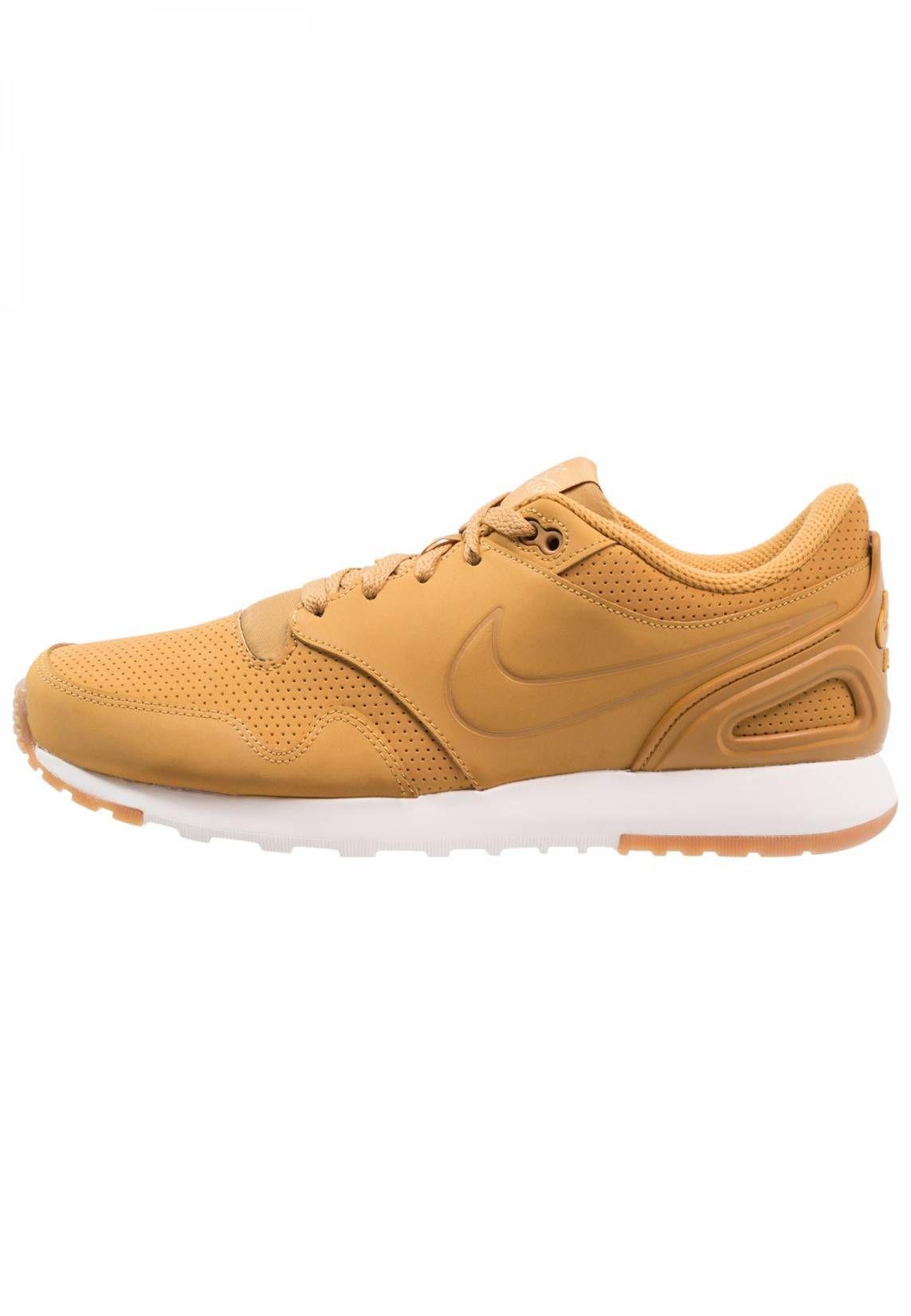 Nike Sportswear. AIR VIBENNA PREM - Zapatillas - wheat ivory metallic gold. 7692bb3658ec