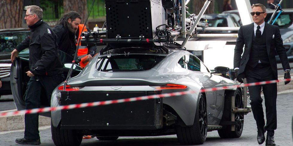 Bond Behind The Scenes: SPECTREu0027s Movie Cars Hit Rome