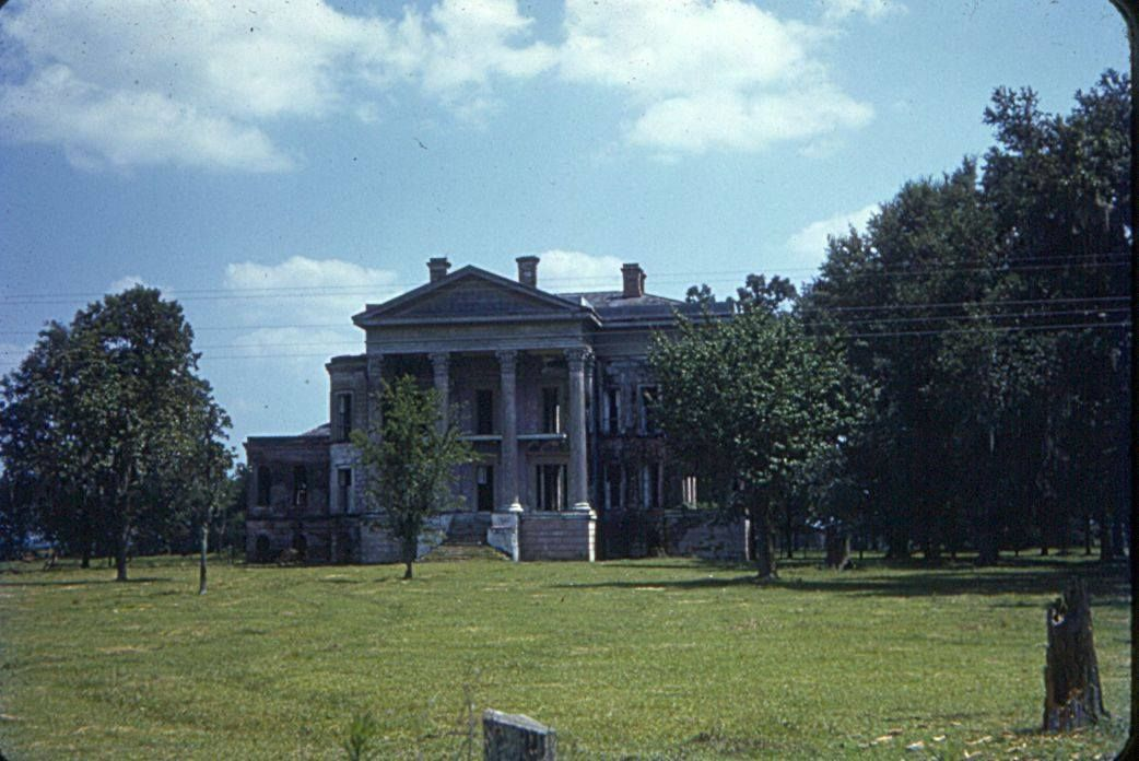 A color photo of Belle Grove from the personal collection