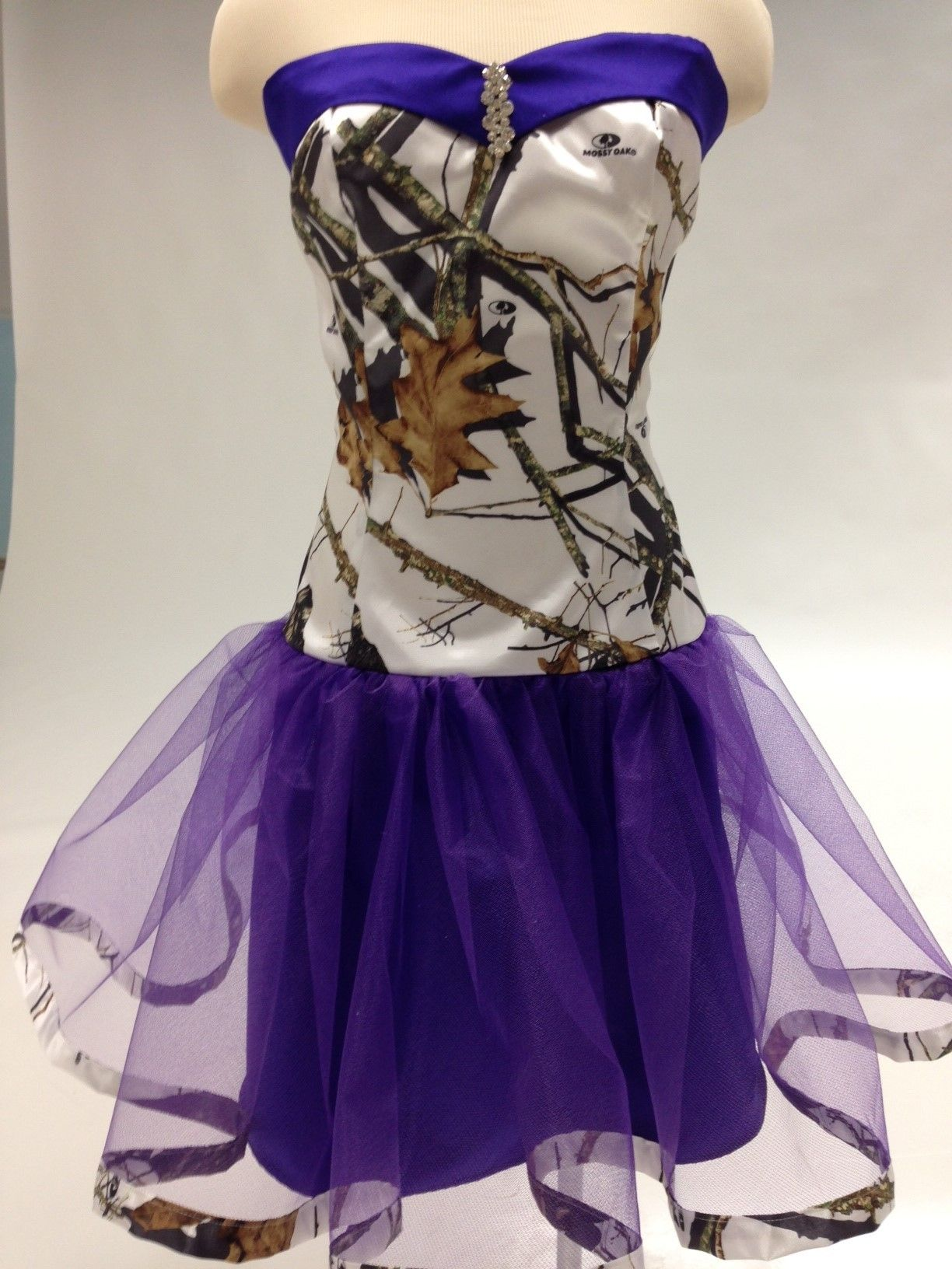 snow+camoflage+purple+and+sunflower+wedding | Home » Ball Gowns ...