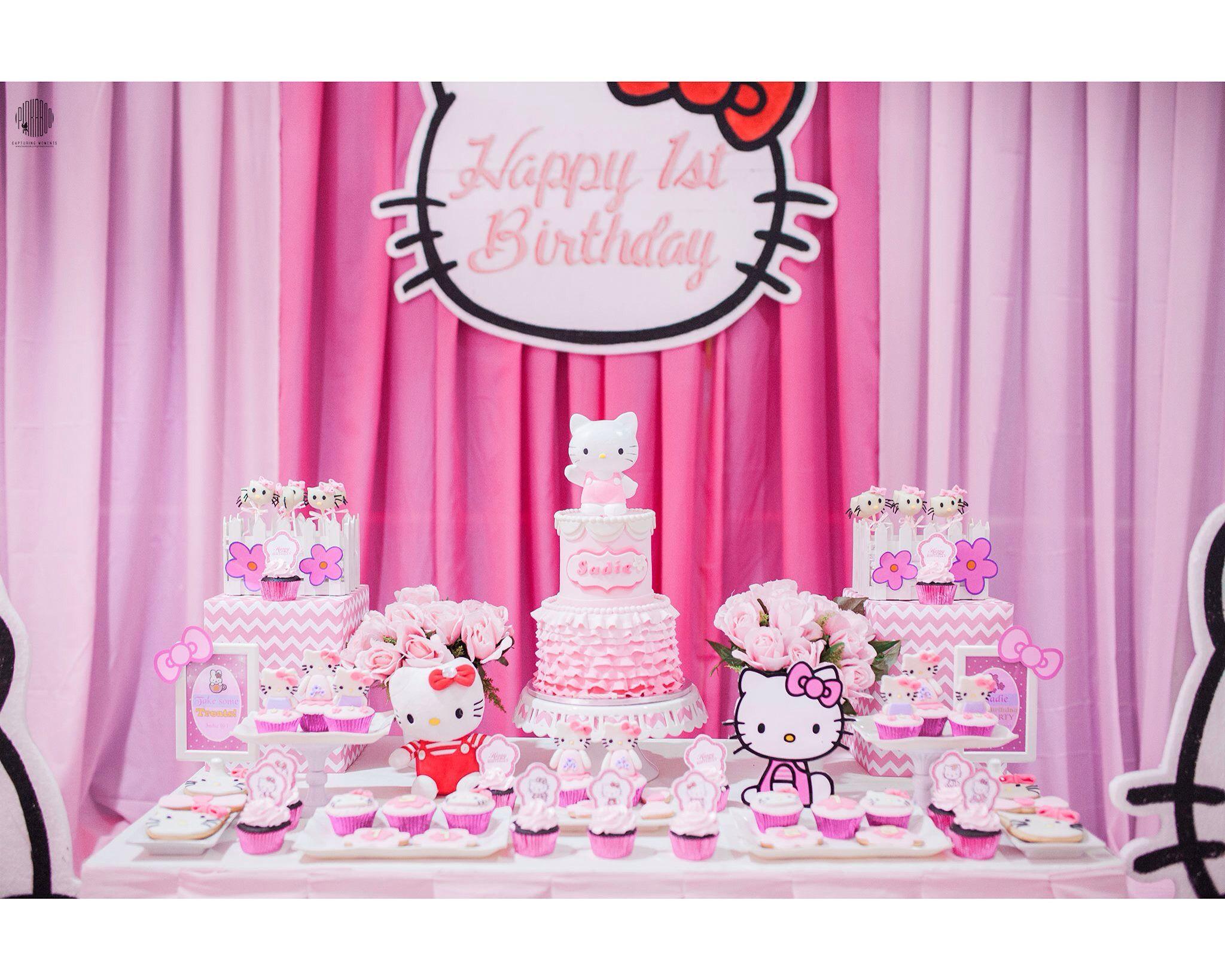 Scrapbook ideas hello kitty - Hello Kitty Dessert Table Set Up Cake Cupcakes Cookies Sweet Pea