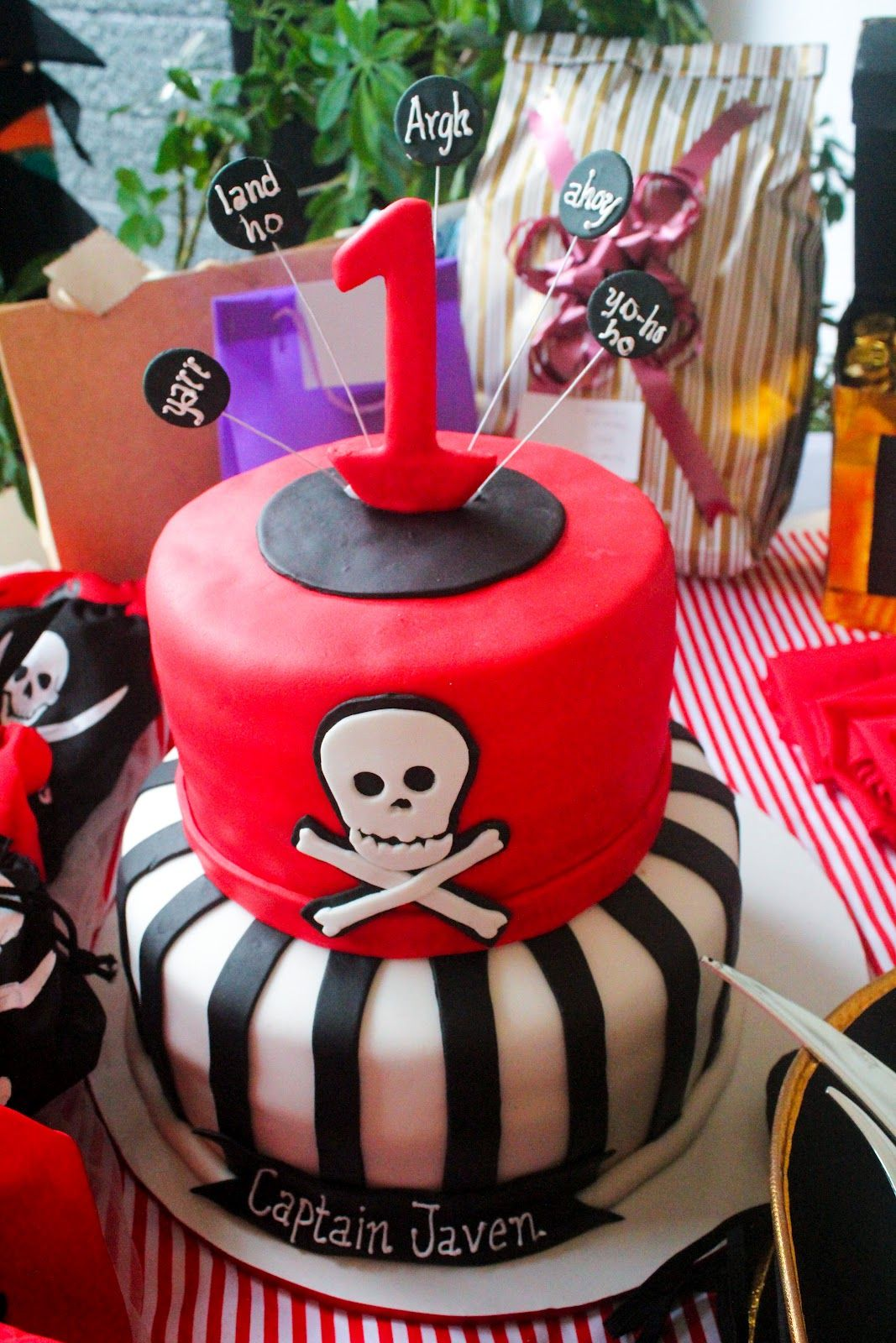 pirate-themed-birthday-party-2.jpg (1067×1600)