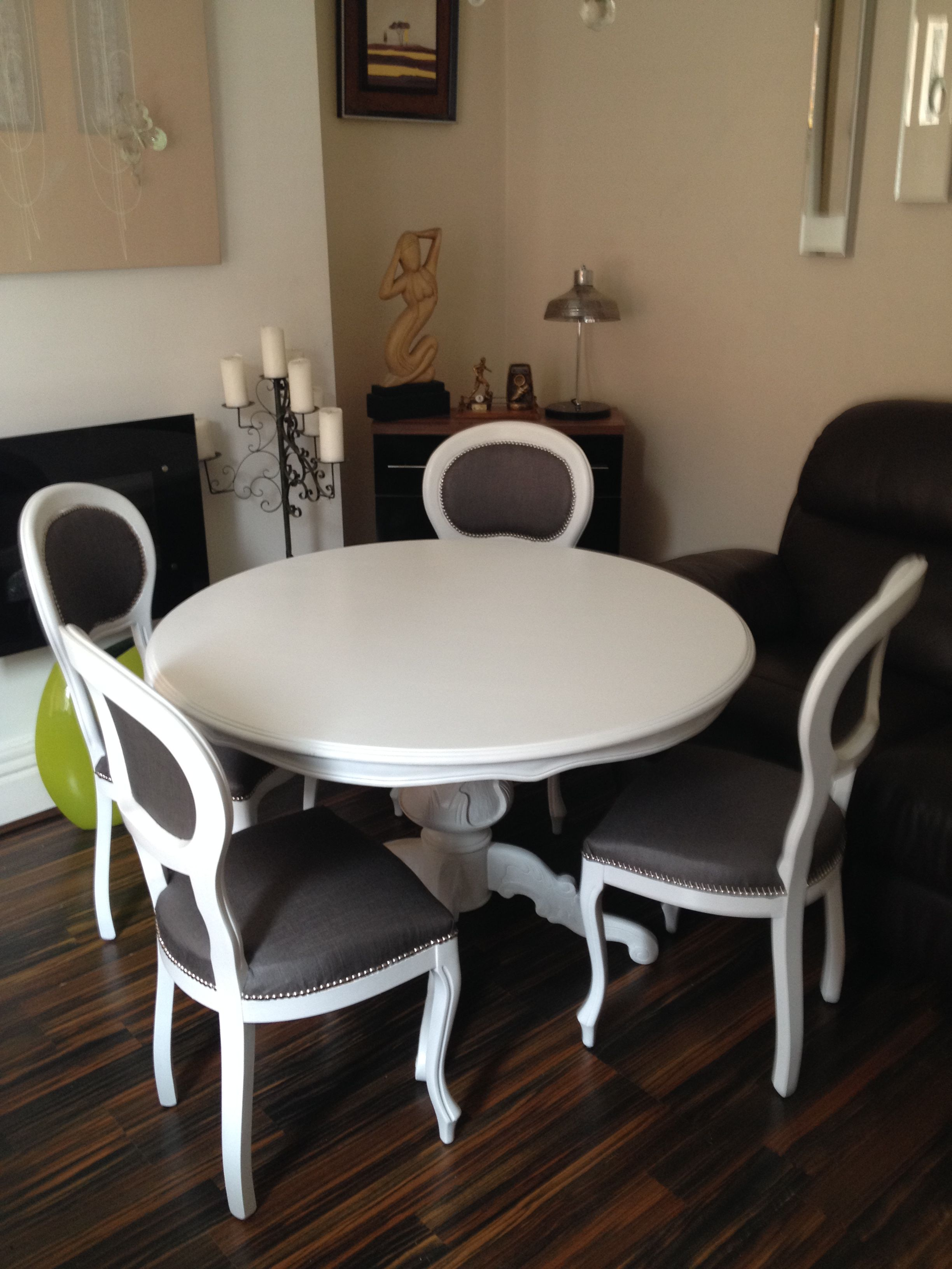 Italian style reproduction dining table and chairs painted frosted