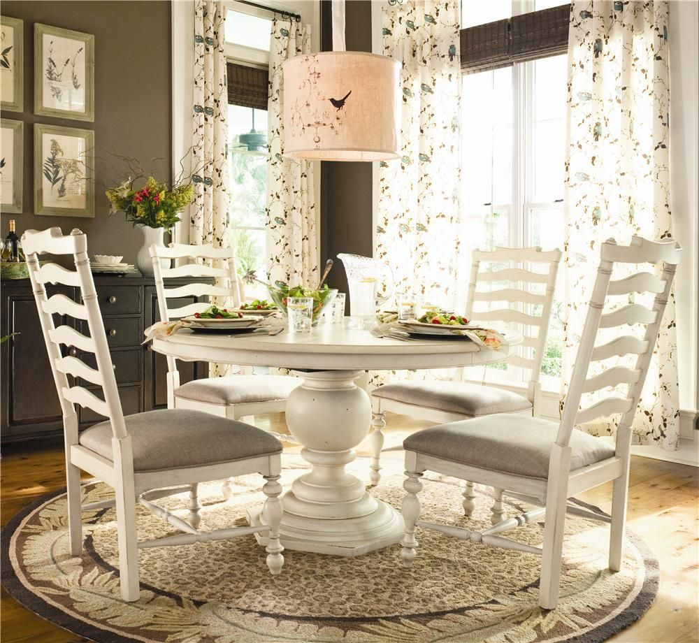 Paula Deen Home Round Dining Table w 4 Ladder Side Chairs by